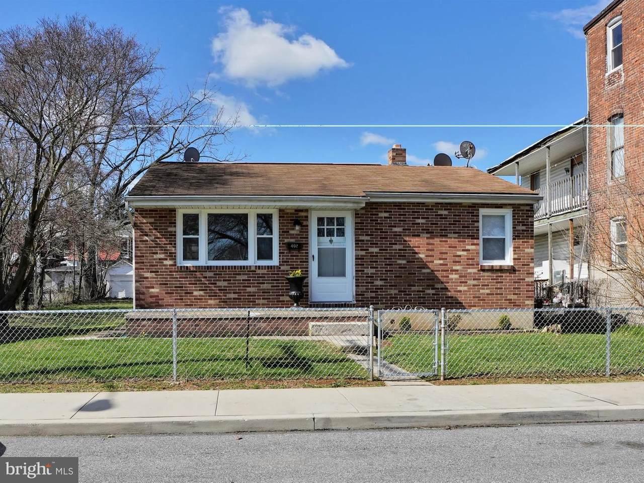 402 Smith Street - Photo 1