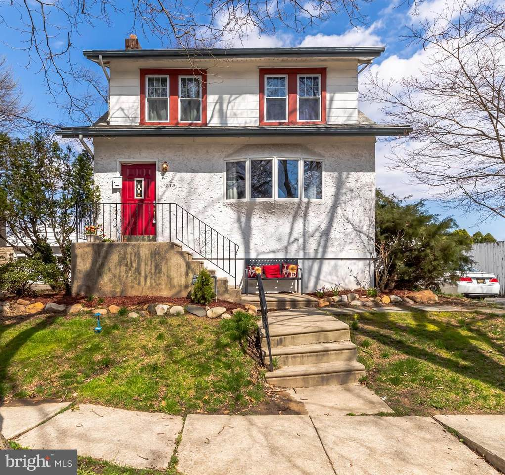 733 Sharon Avenue - Photo 1