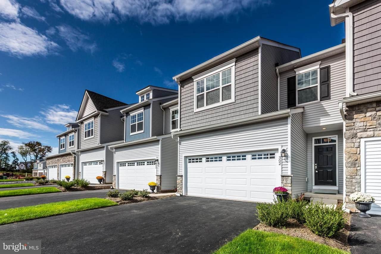 351 Ridgewood Drive - Photo 1