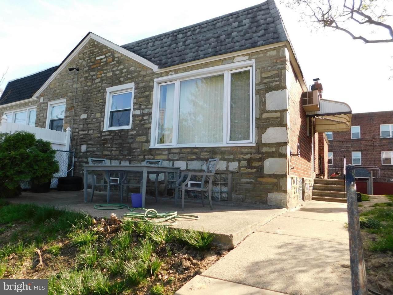 844 Saint Vincent Street - Photo 1