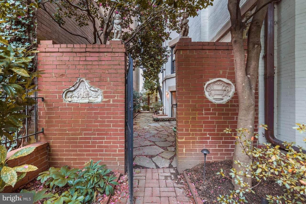 2621 Woodley Place - Photo 1