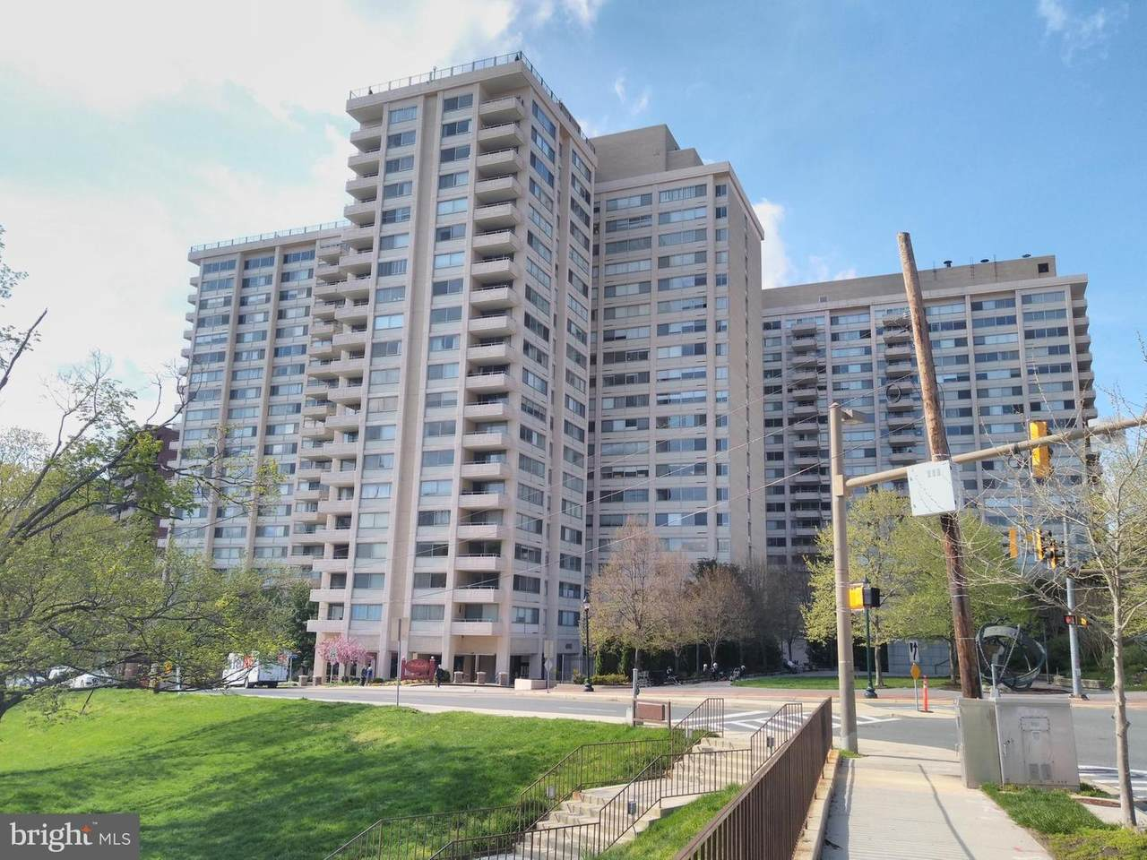 4515 Willard Avenue - Photo 1