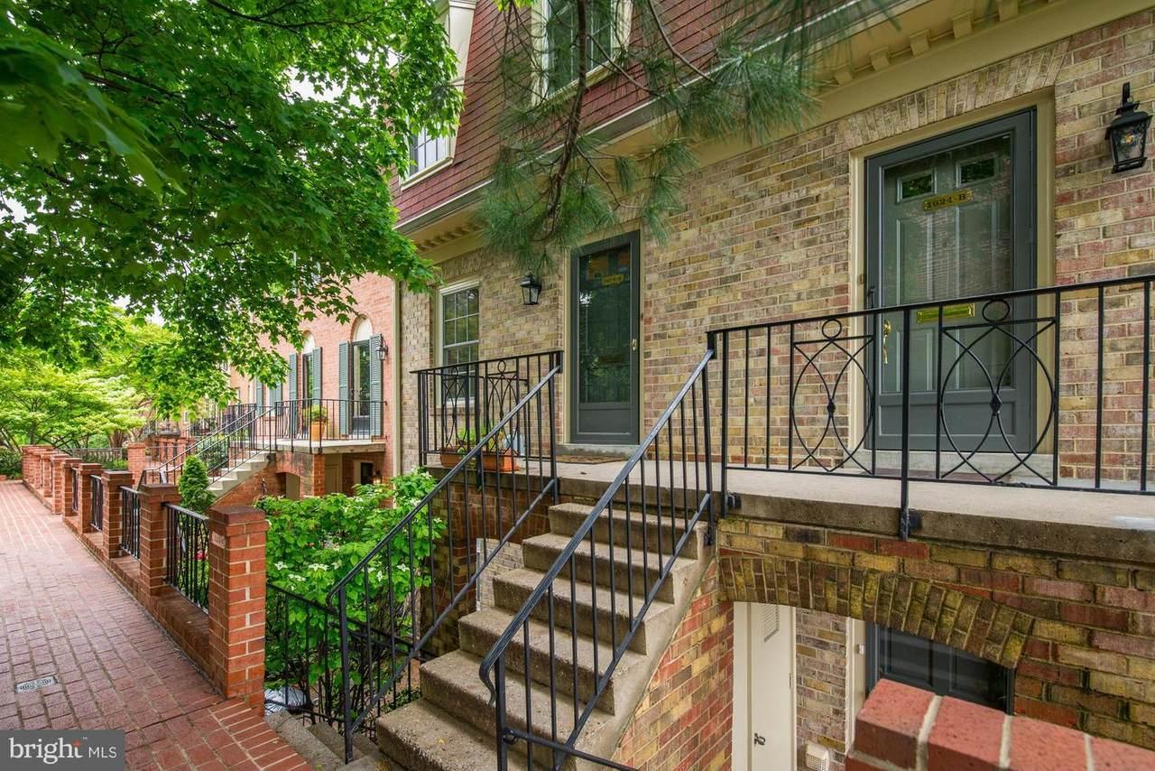 1624 Belmont Street - Photo 1