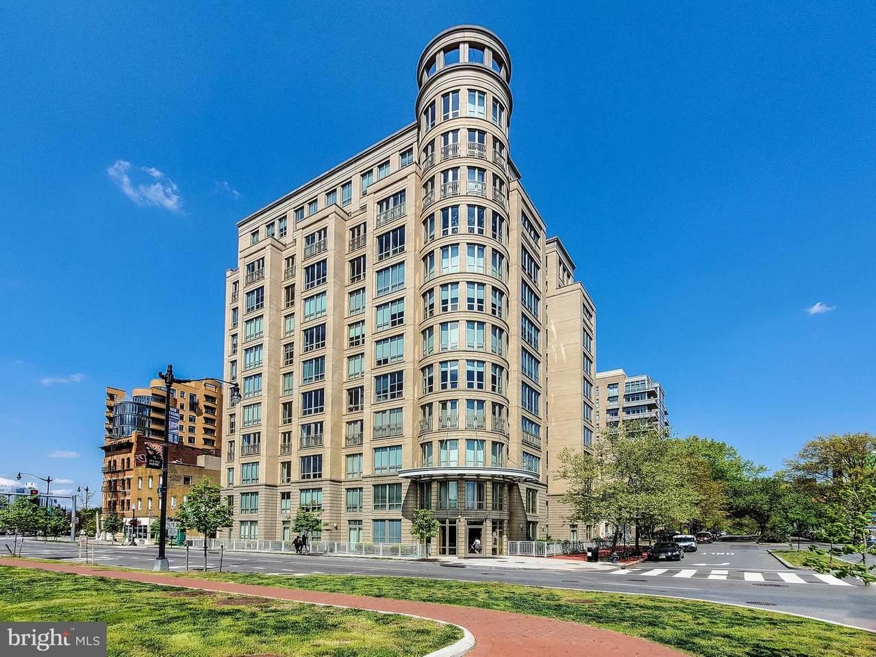 301 Massachusetts Avenue - Photo 1