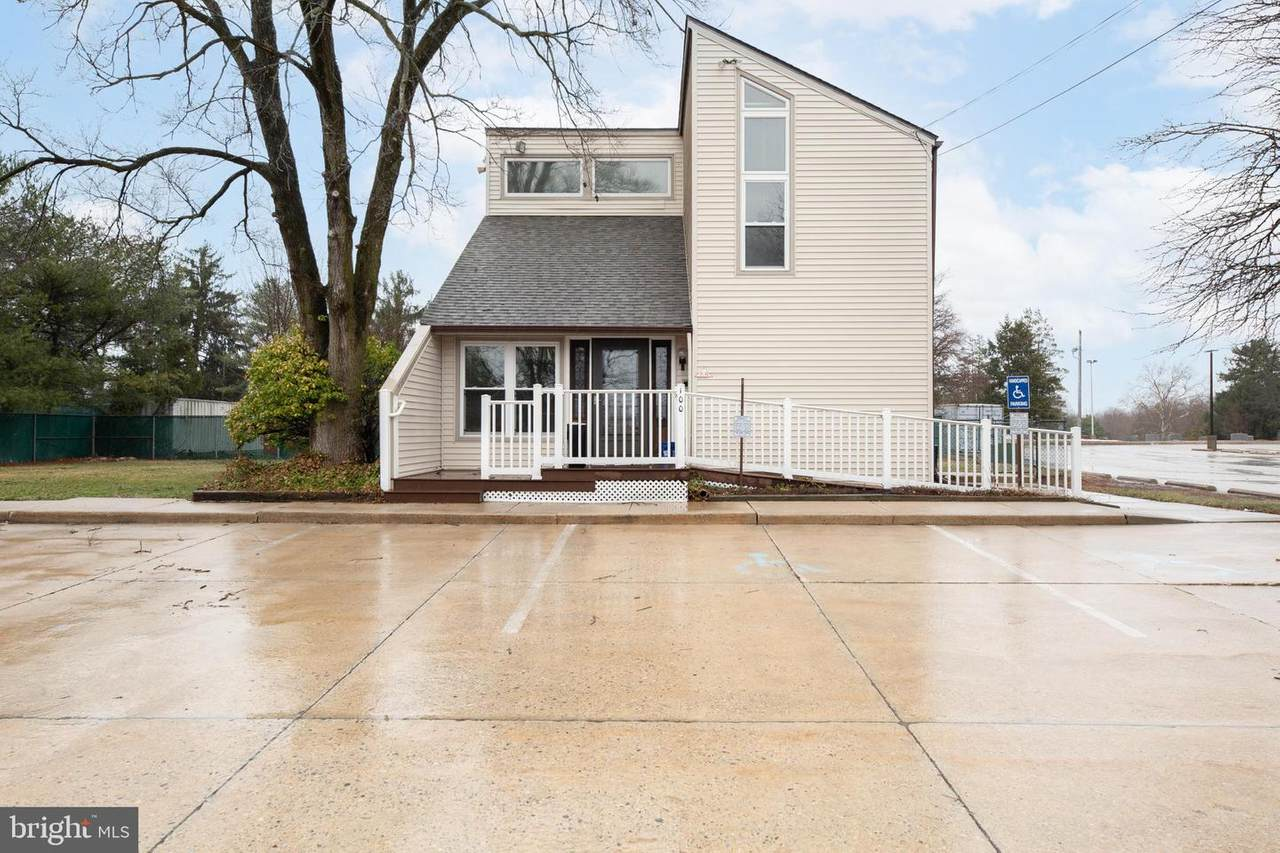 100 Hollydell Drive - Photo 1