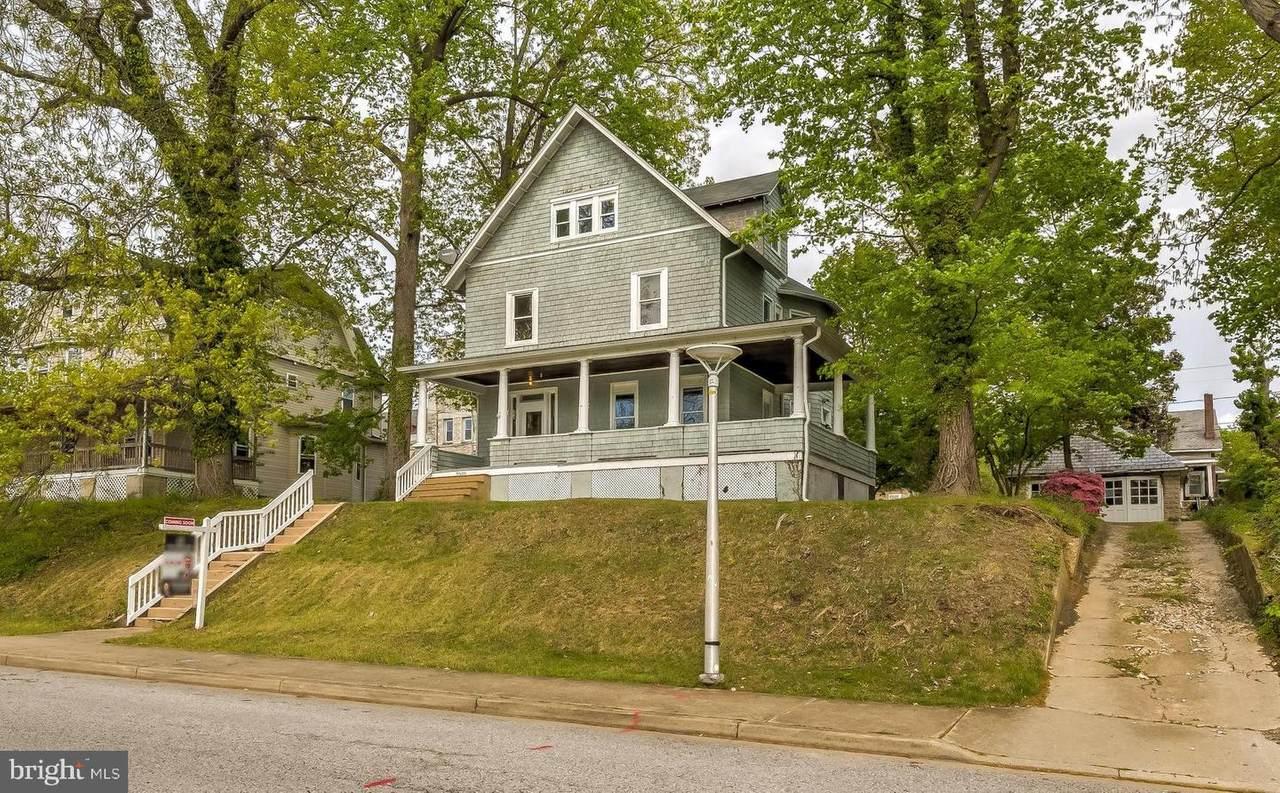 2505 Roslyn Avenue - Photo 1