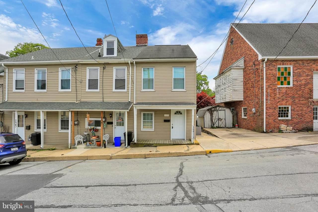 129 Chestnut Street - Photo 1