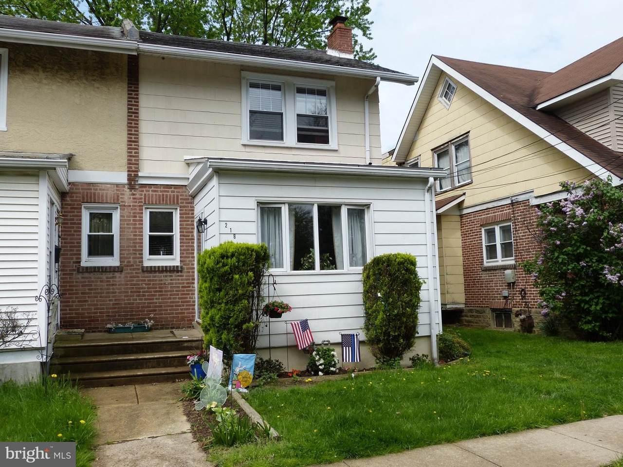 218 Woodlawn Avenue - Photo 1