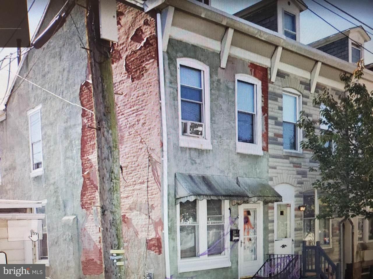 564 Douglass Street - Photo 1
