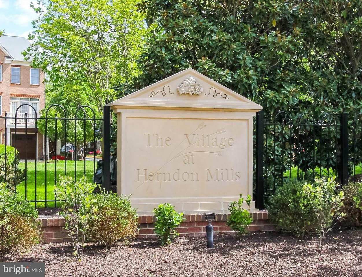 146 Herndon Mill Circle - Photo 1