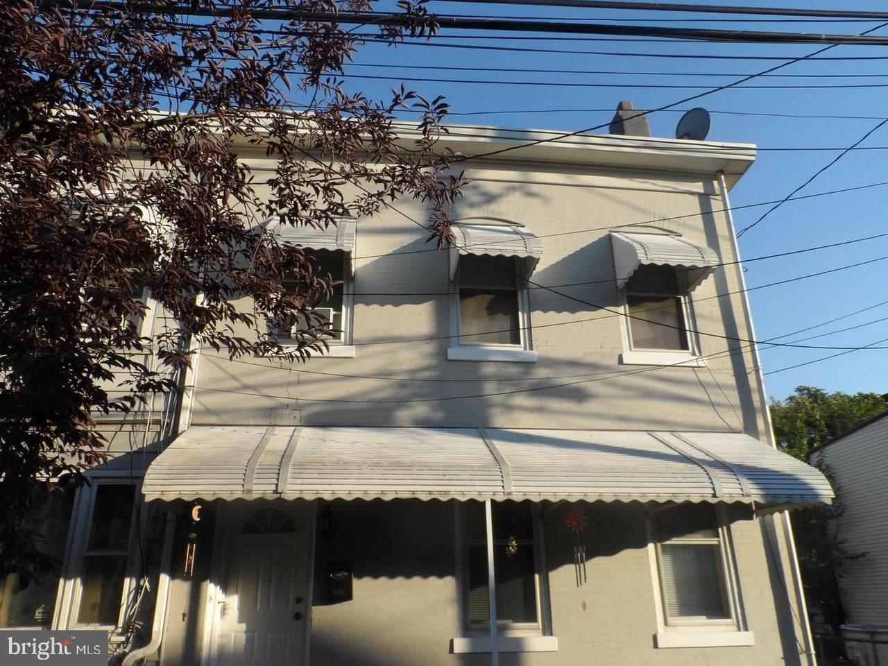 231 Mott Street - Photo 1