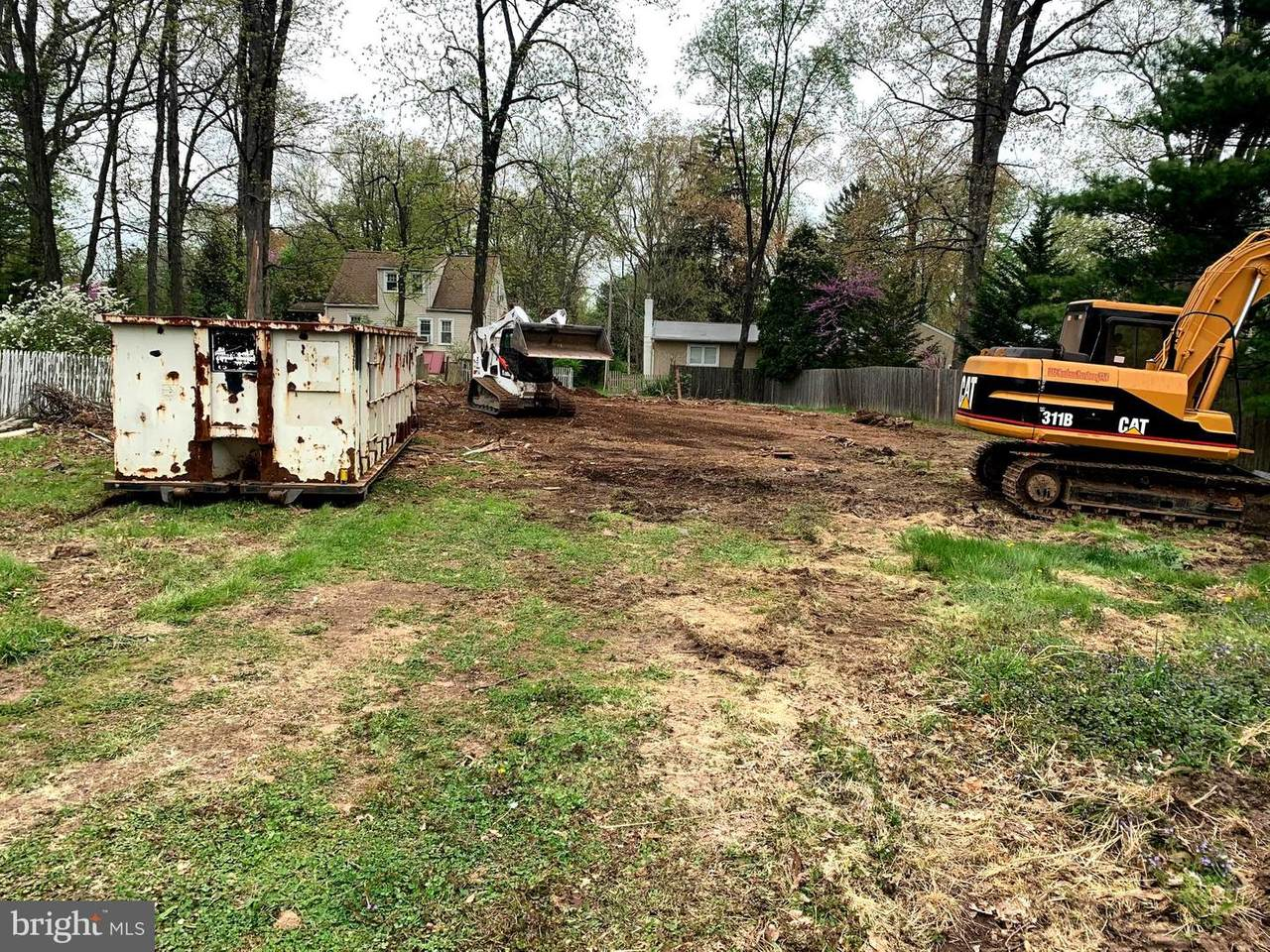 371 Edgewood Drive - Photo 1