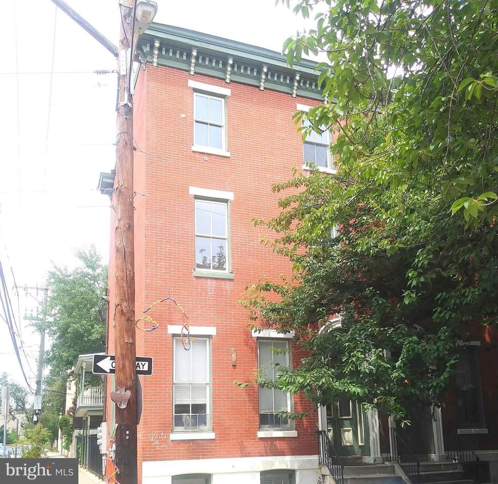 2043 Mount Vernon Street - Photo 1