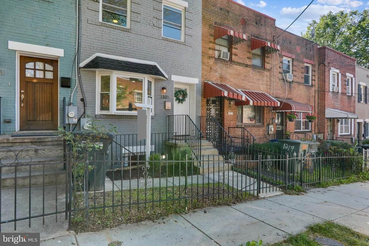 1321 Dexter Terrace - Photo 1