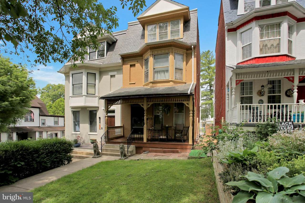 437 Lincoln Street - Photo 1