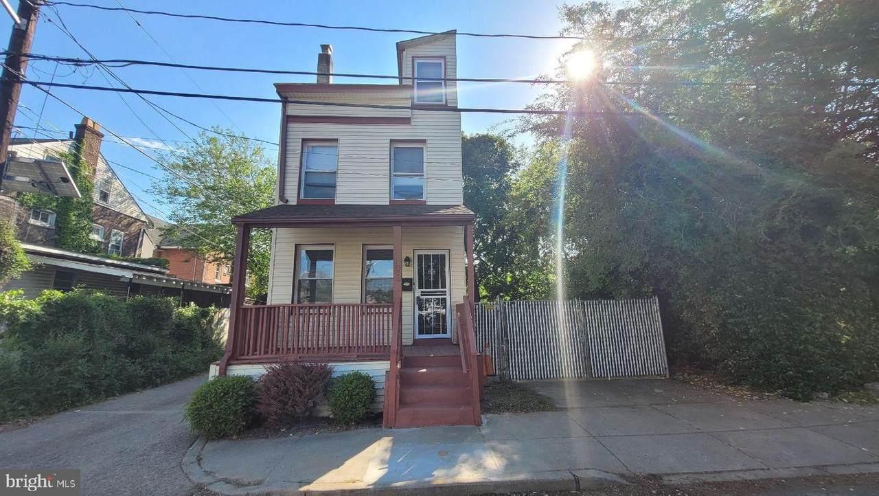 103 Hampton Avenue - Photo 1