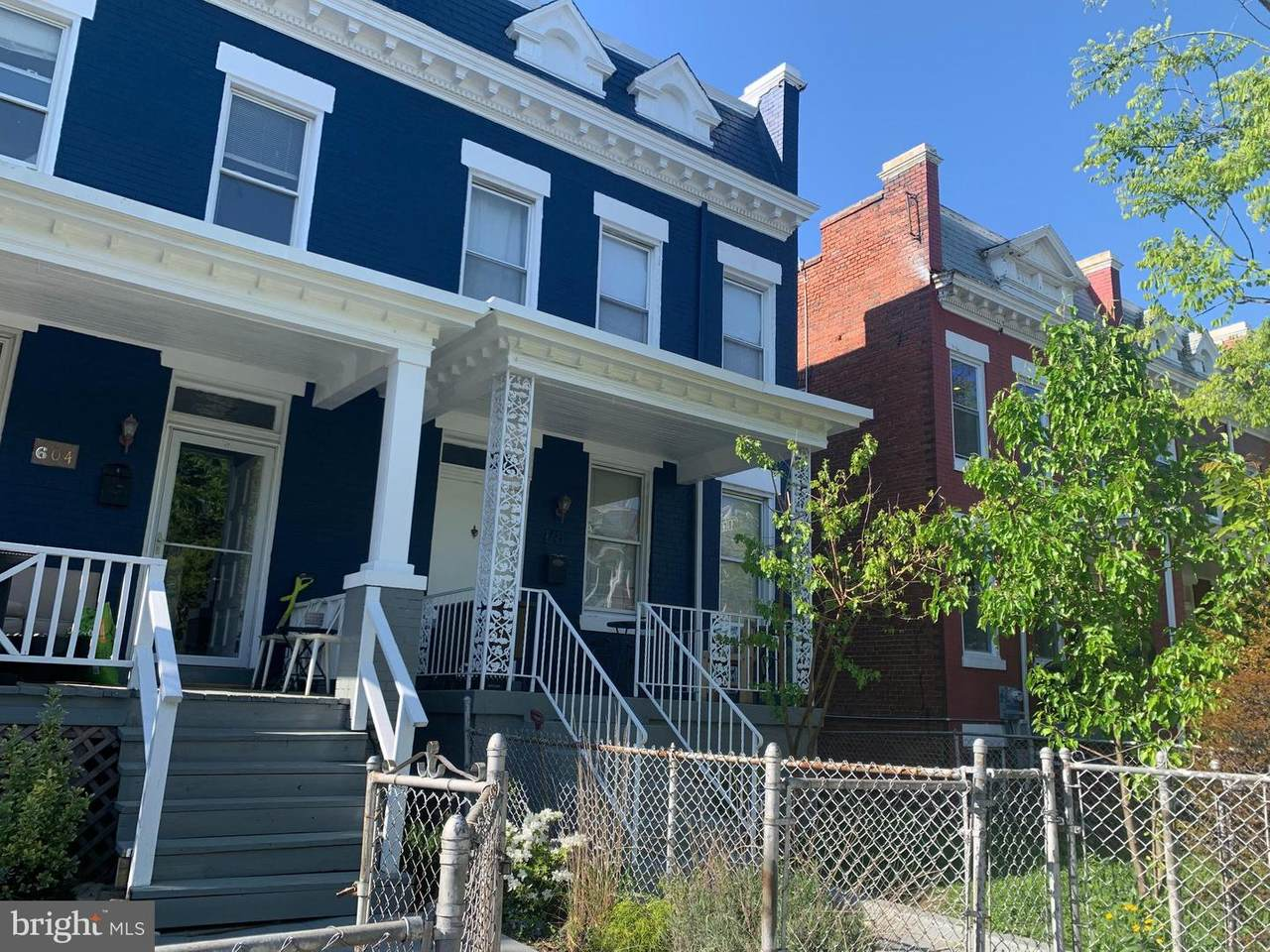 606 Lamont Street - Photo 1