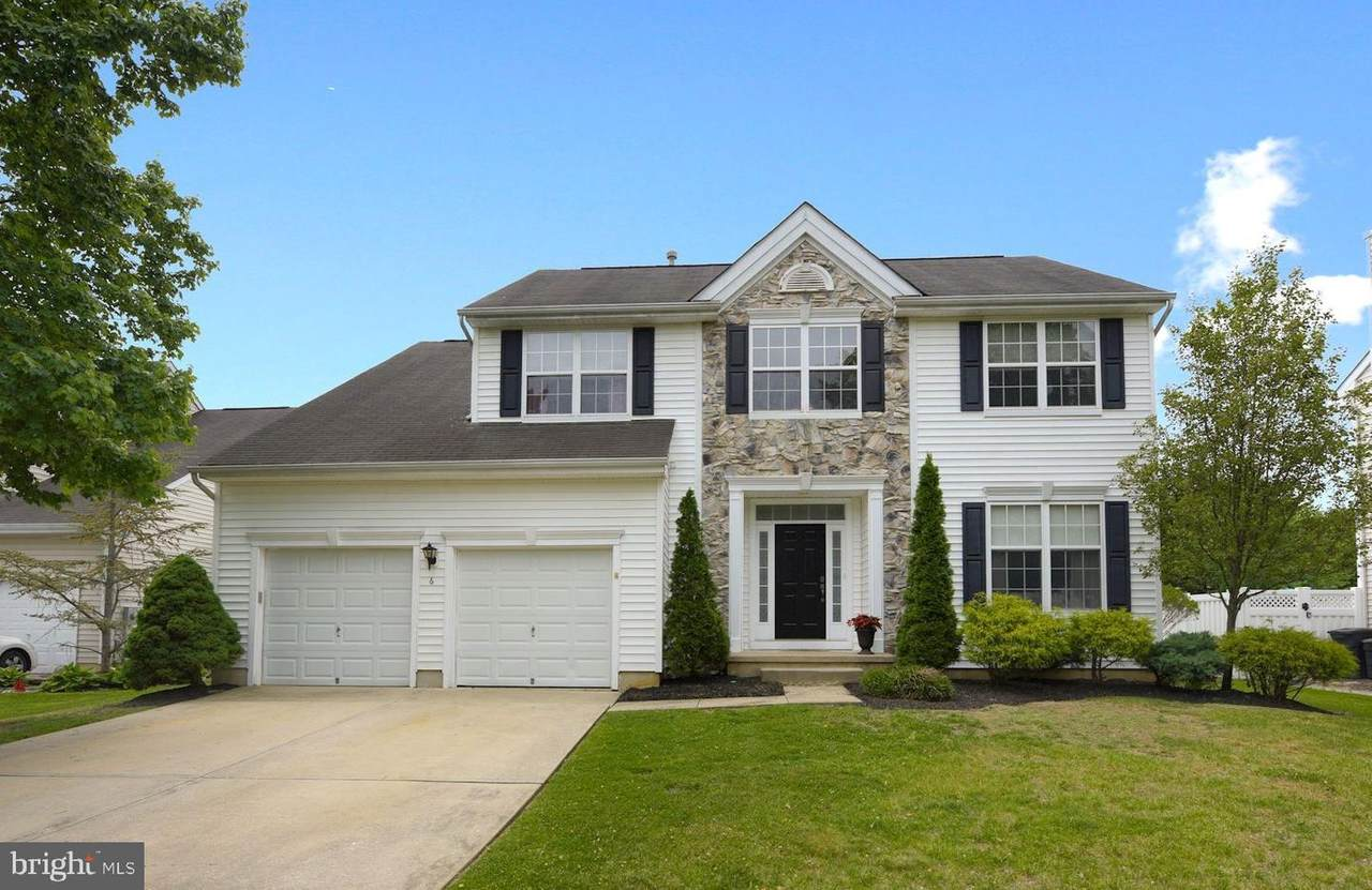 6 Brentwood Drive - Photo 1