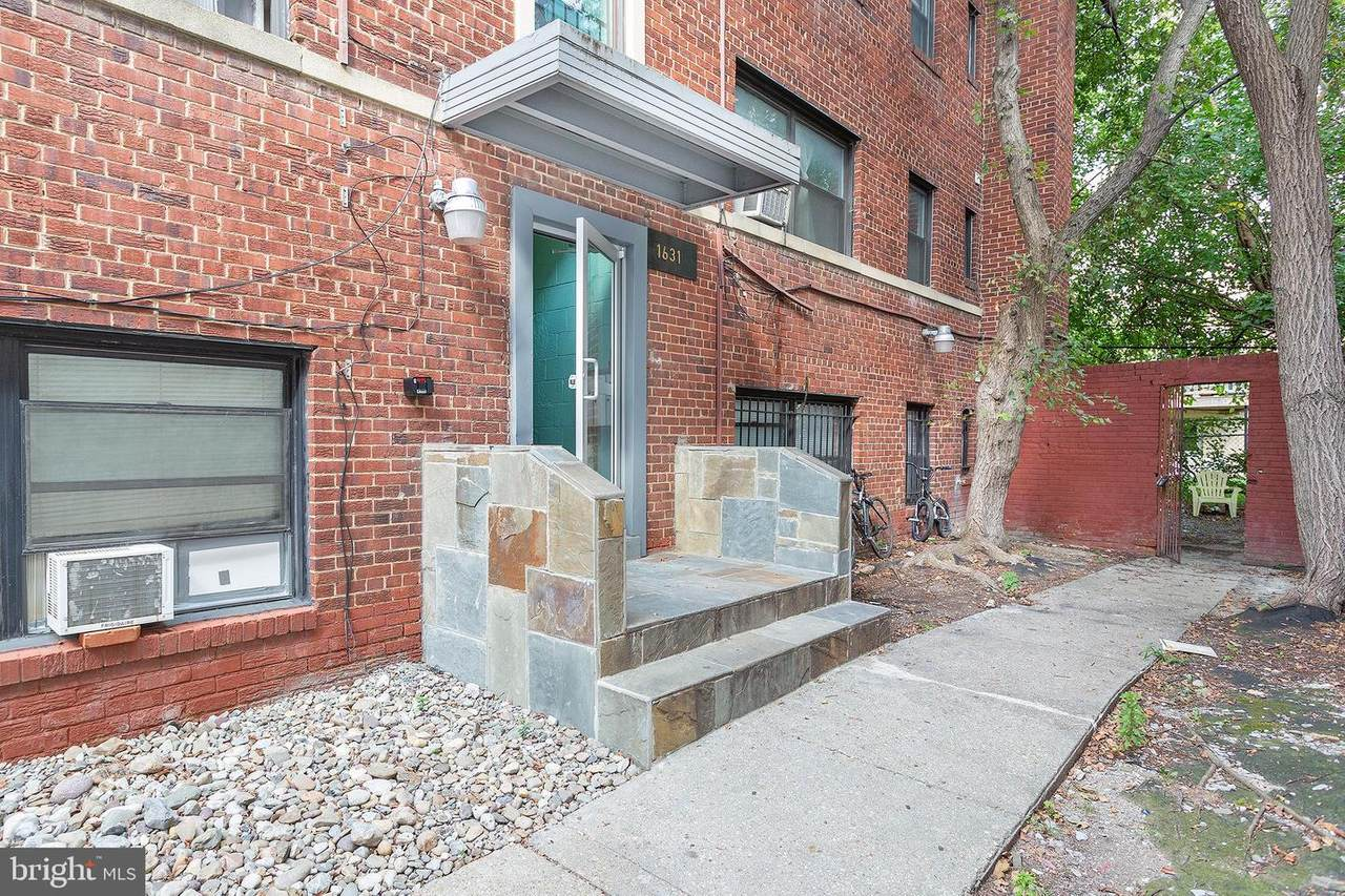 1631 6TH Street - Photo 1