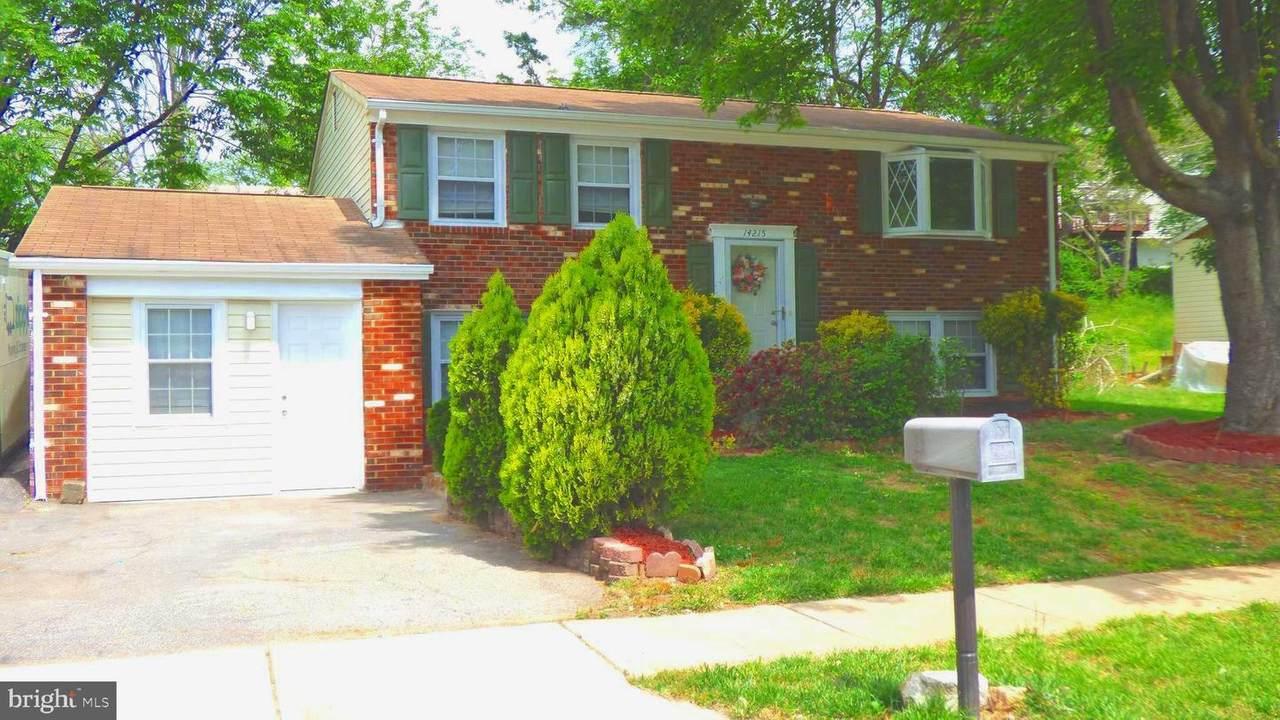 14215 Mapledale Avenue - Photo 1
