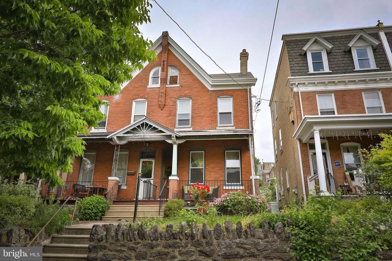 205 Rochelle Avenue - Photo 1