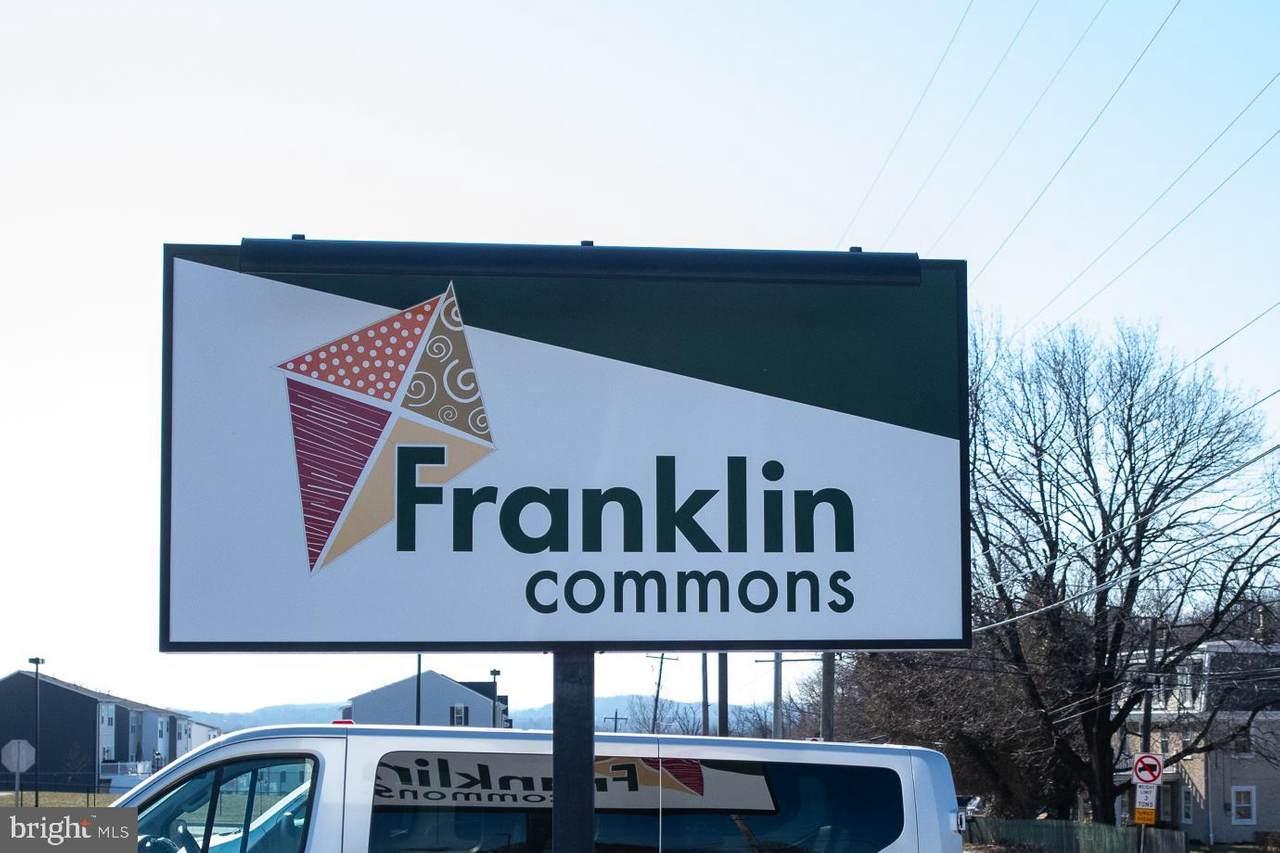 400 Franklin Avenue - Photo 1