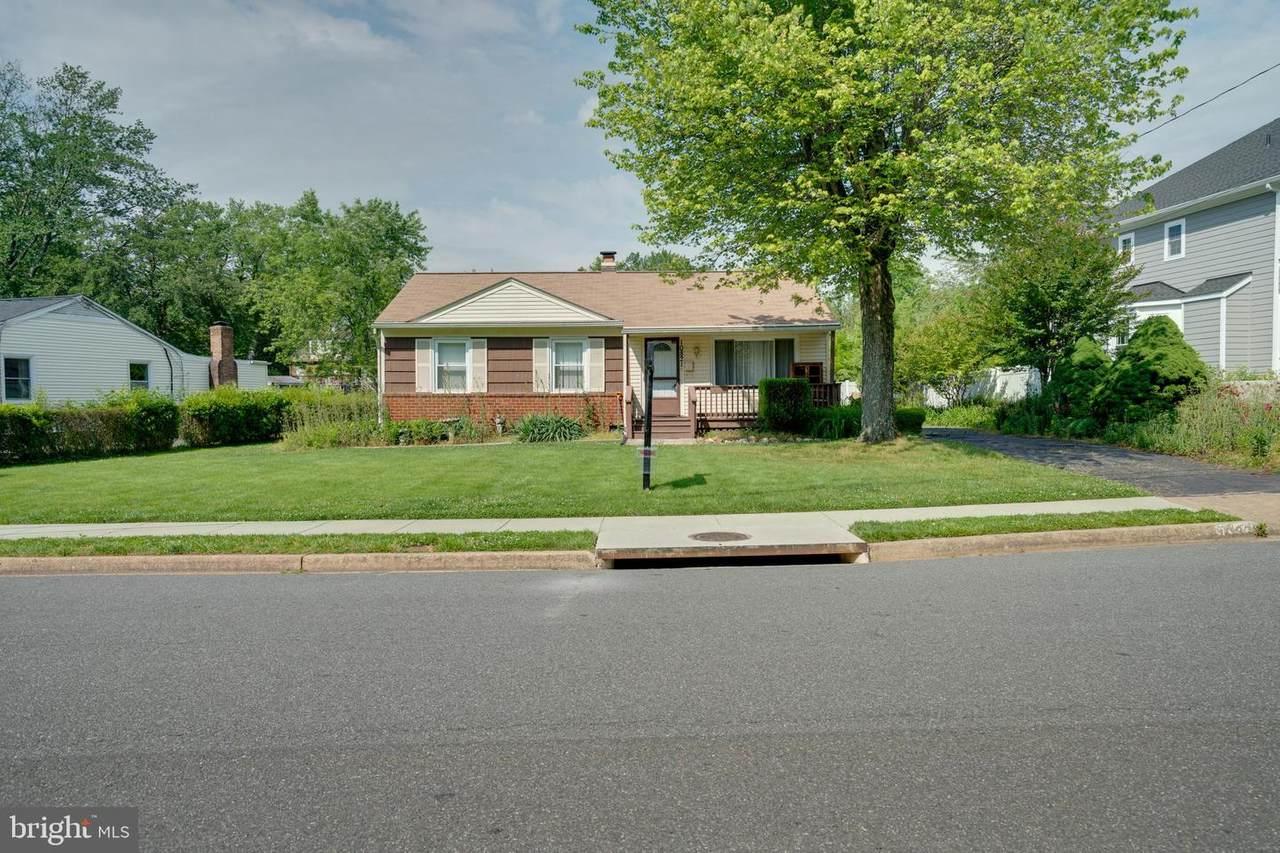 10821 Woodhaven Drive - Photo 1
