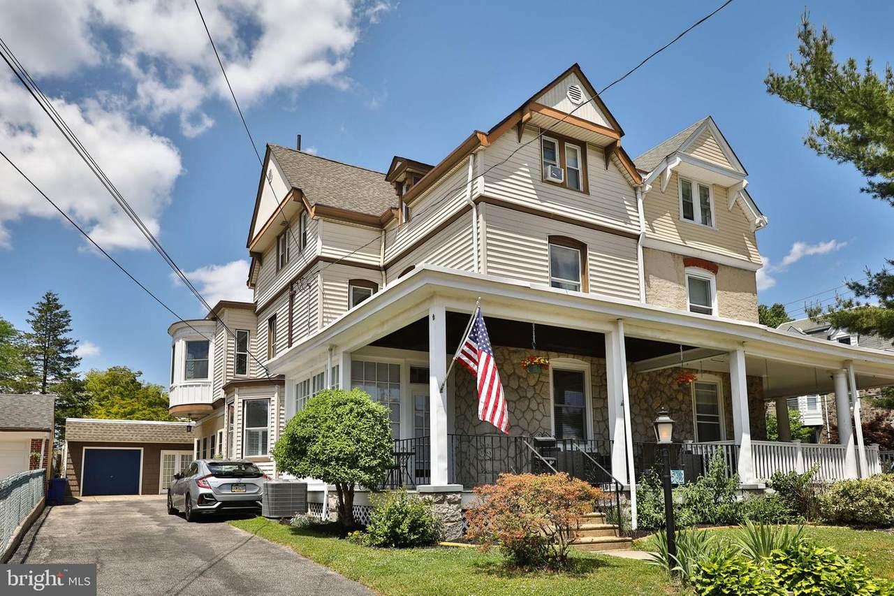562 Leverington Avenue - Photo 1