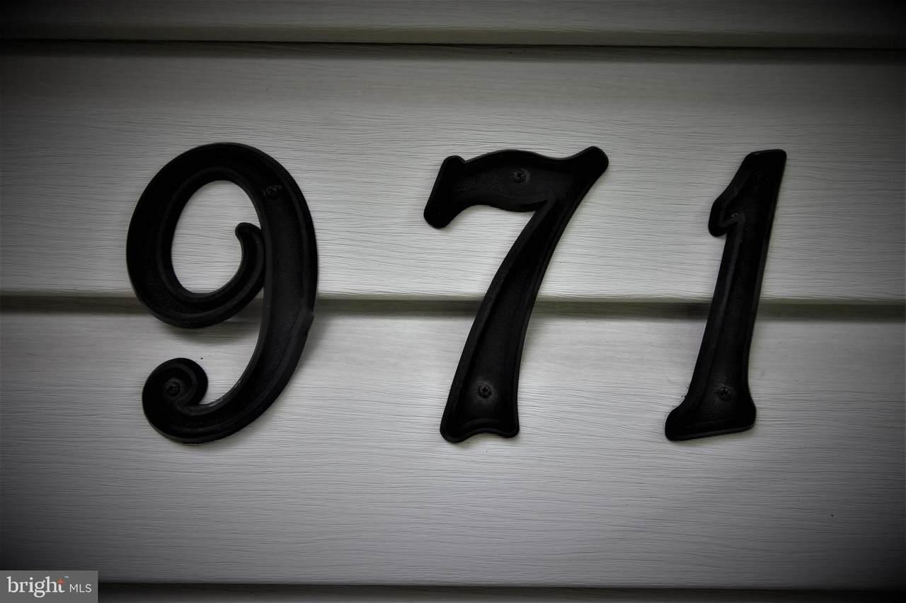 971 Rozel Avenue - Photo 1