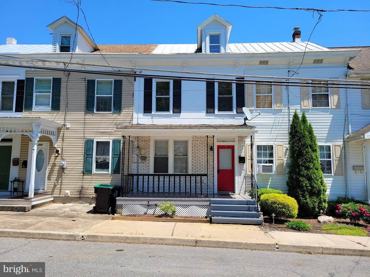702 Warren Street - Photo 1