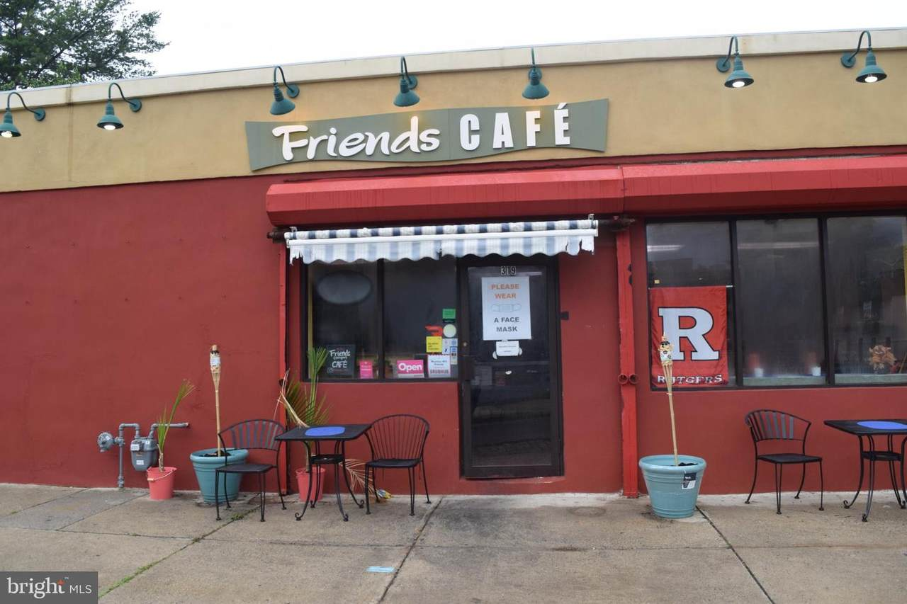 319-321 Friends Avenue - Photo 1
