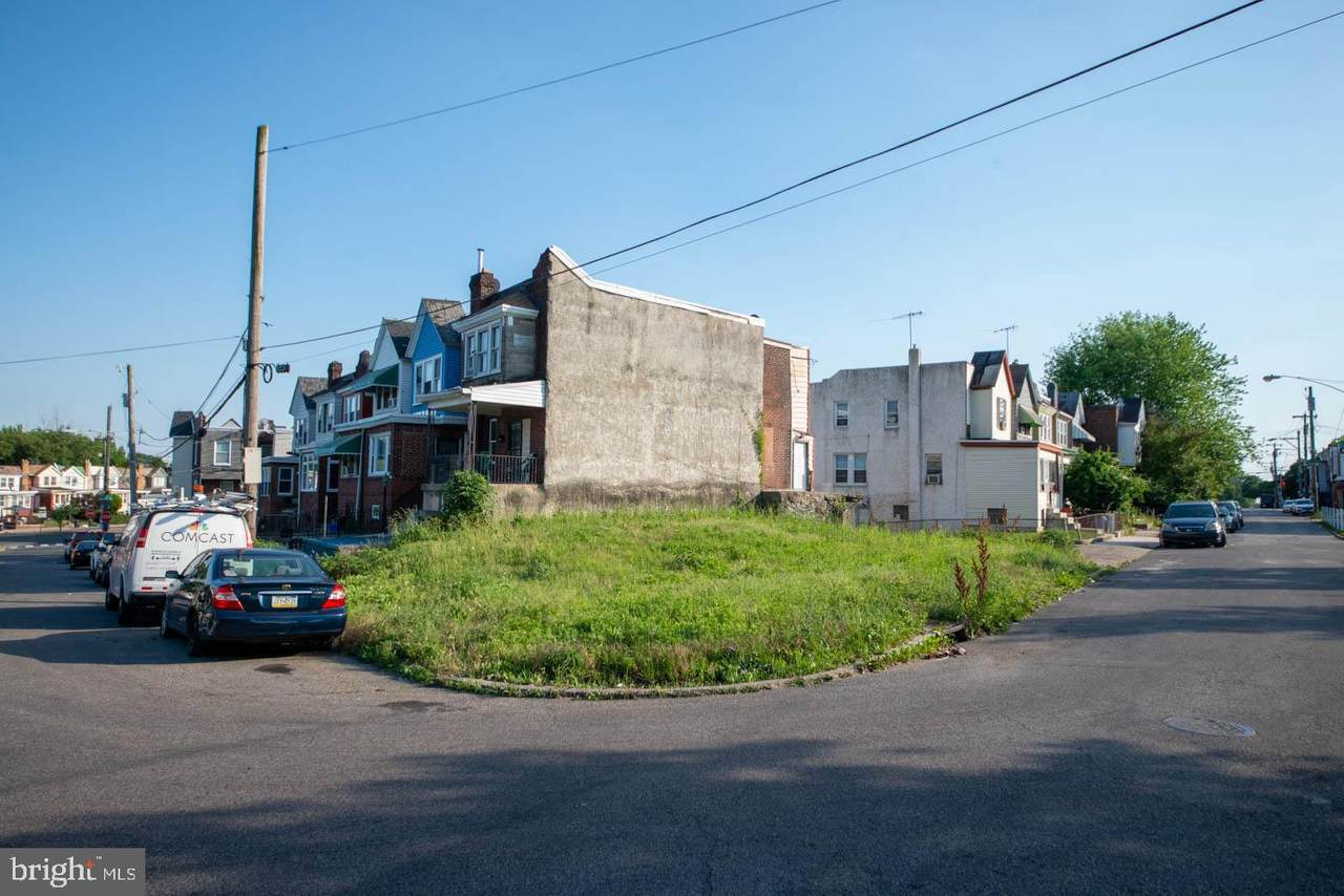 2602 60TH Street - Photo 1