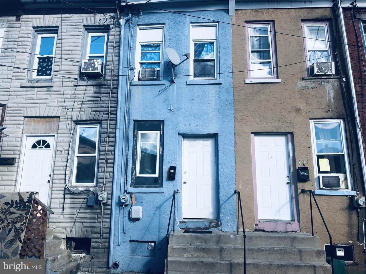 433 Cedar Street - Photo 1
