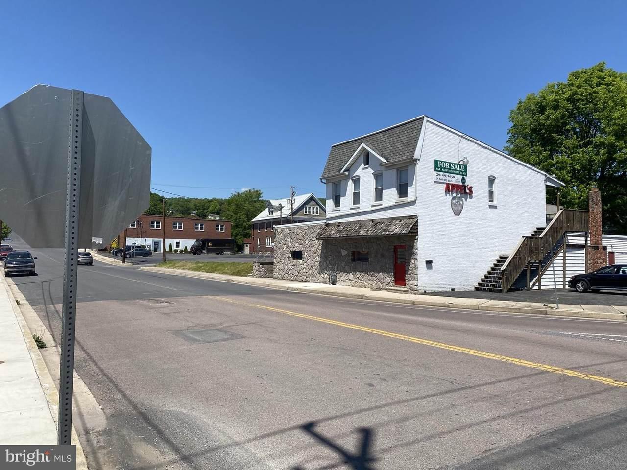 305 Beall Street - Photo 1