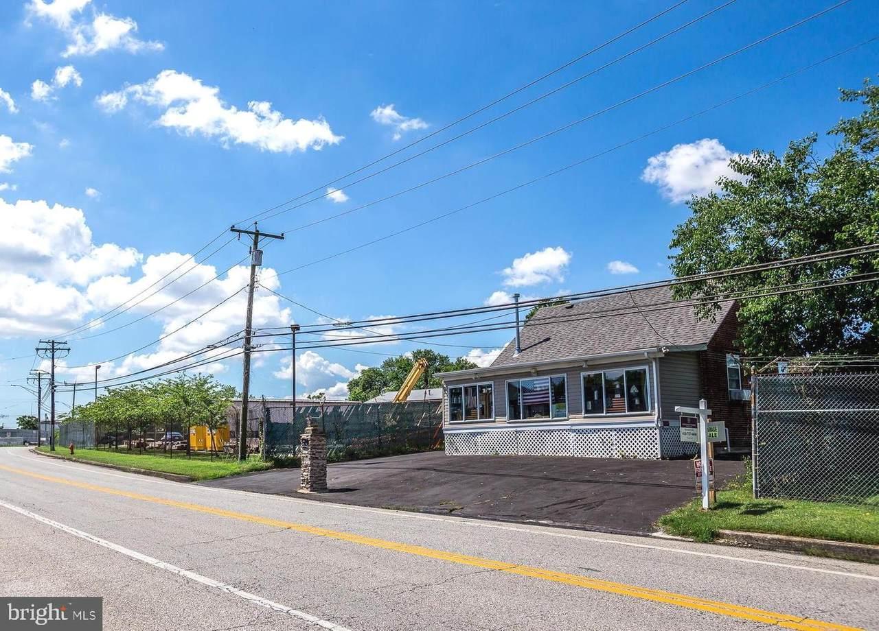 4031 North Point - Photo 1