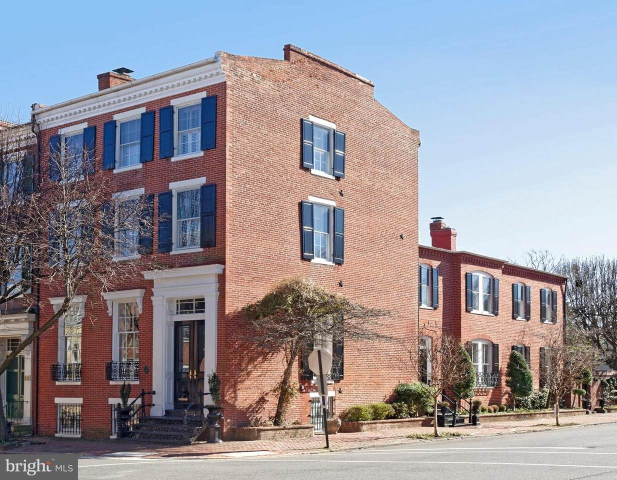 418 Duke Street - Photo 1