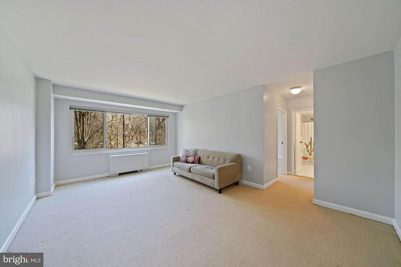4201 Cathedral Avenue - Photo 1