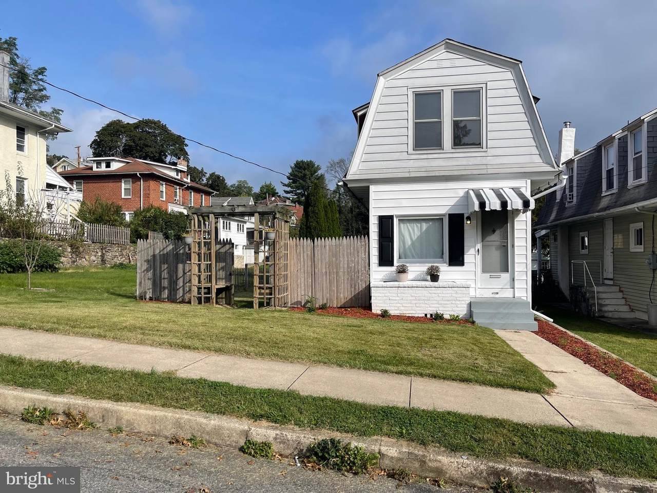 2451 Filbert Avenue - Photo 1
