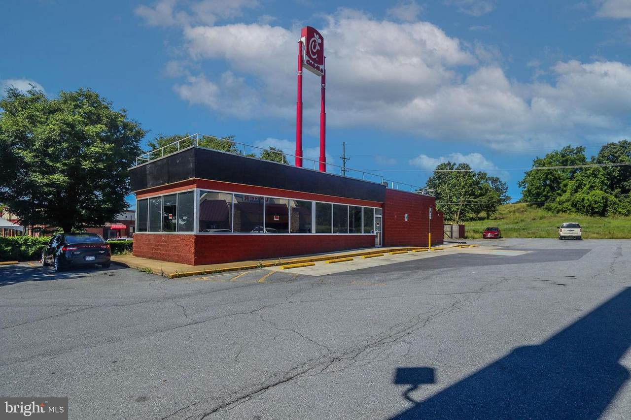 1003 Foxcroft Avenue - Photo 1