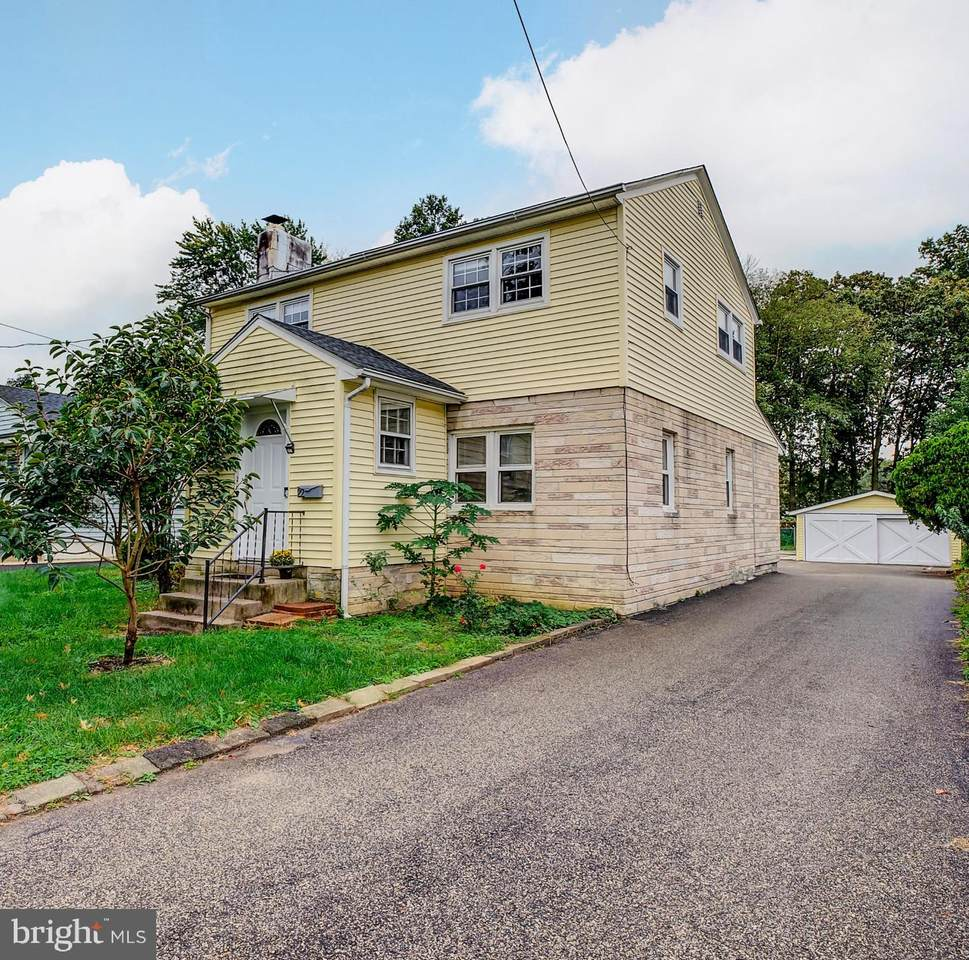 22 Browning Avenue - Photo 1