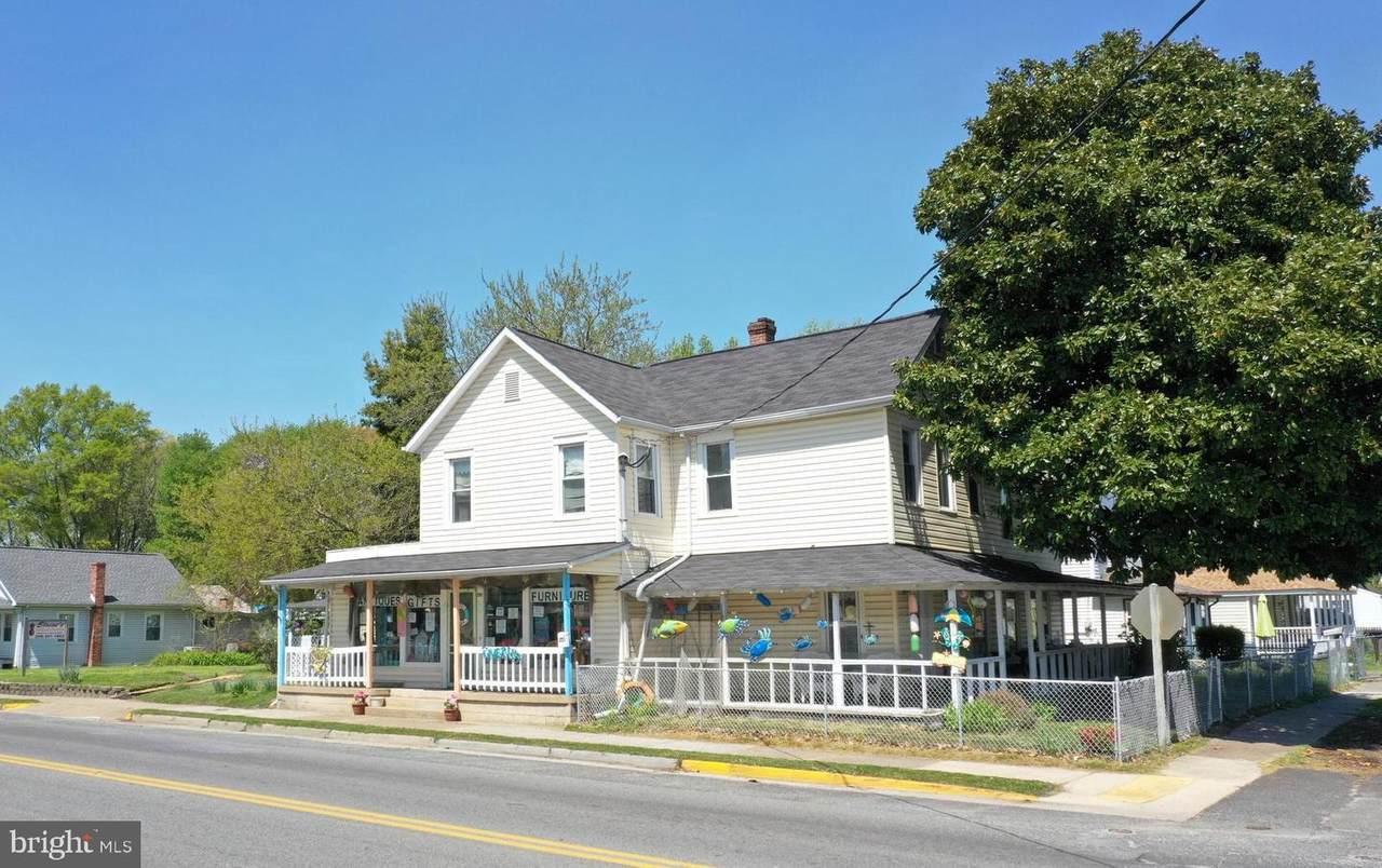201 Colonial Avenue - Photo 1