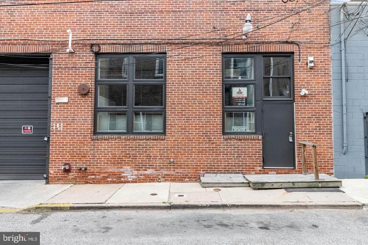 810 Hancock Street - Photo 1