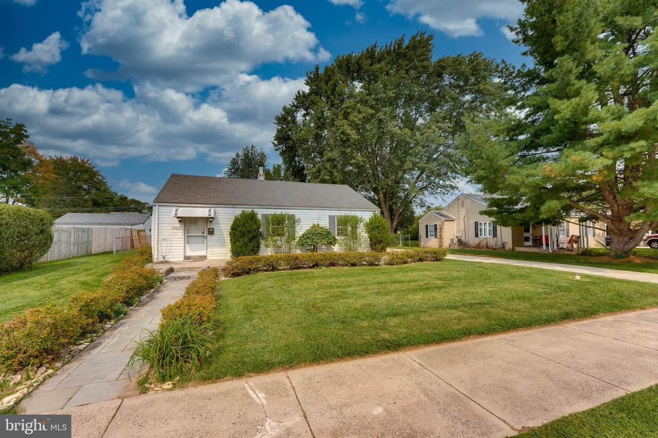 1005 Forrest Avenue - Photo 1