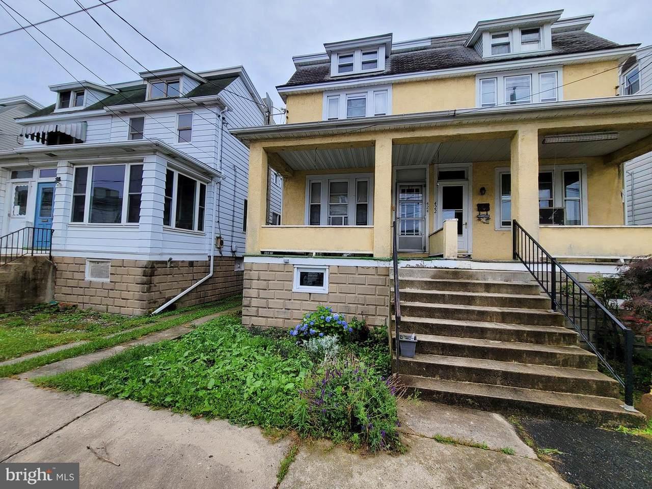 424 Hess Street - Photo 1