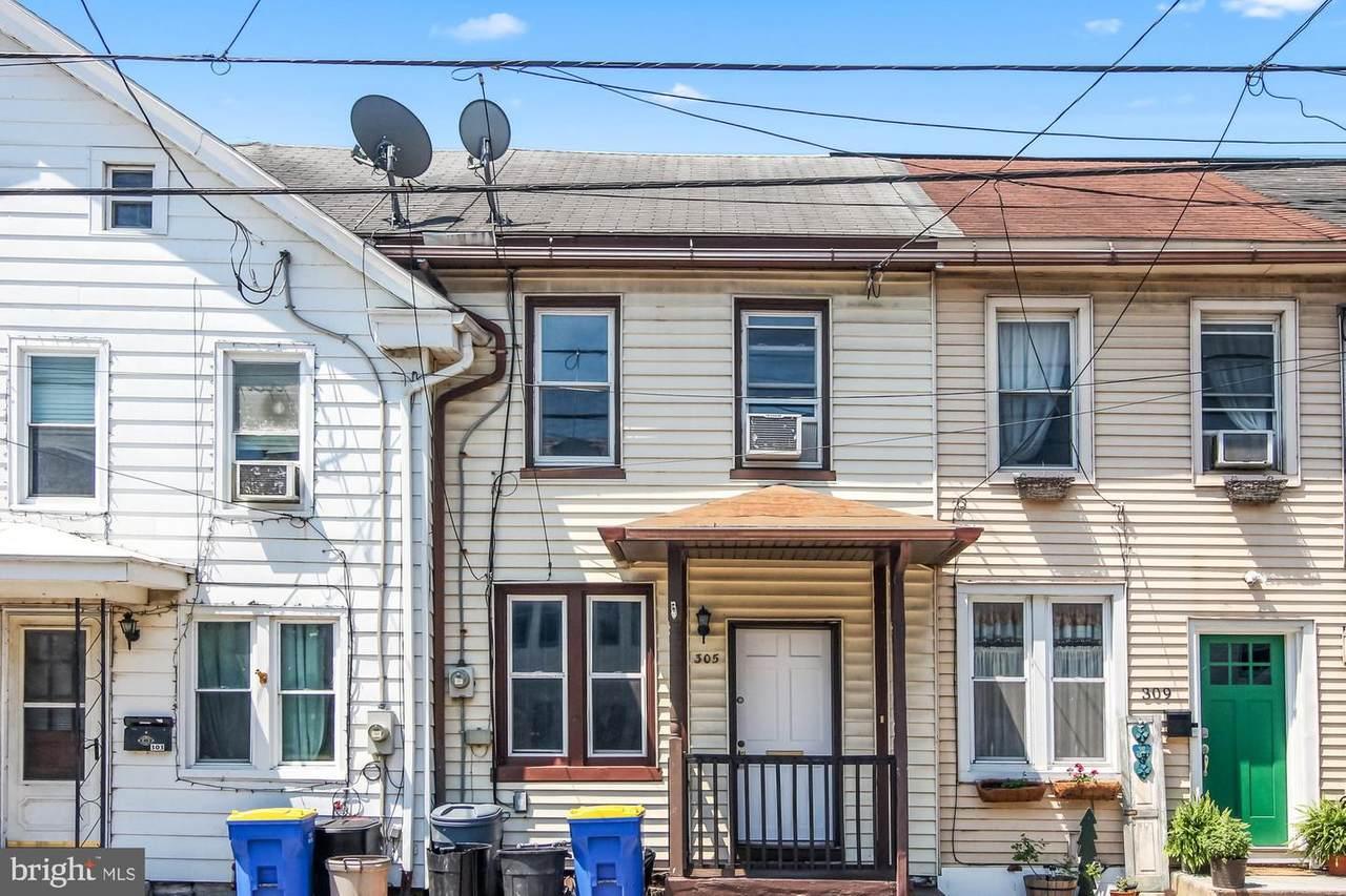 305 Pine Street - Photo 1