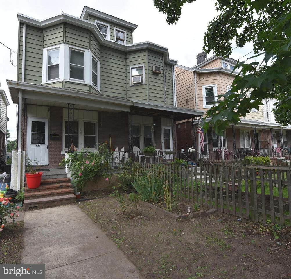 423 Olden Avenue - Photo 1
