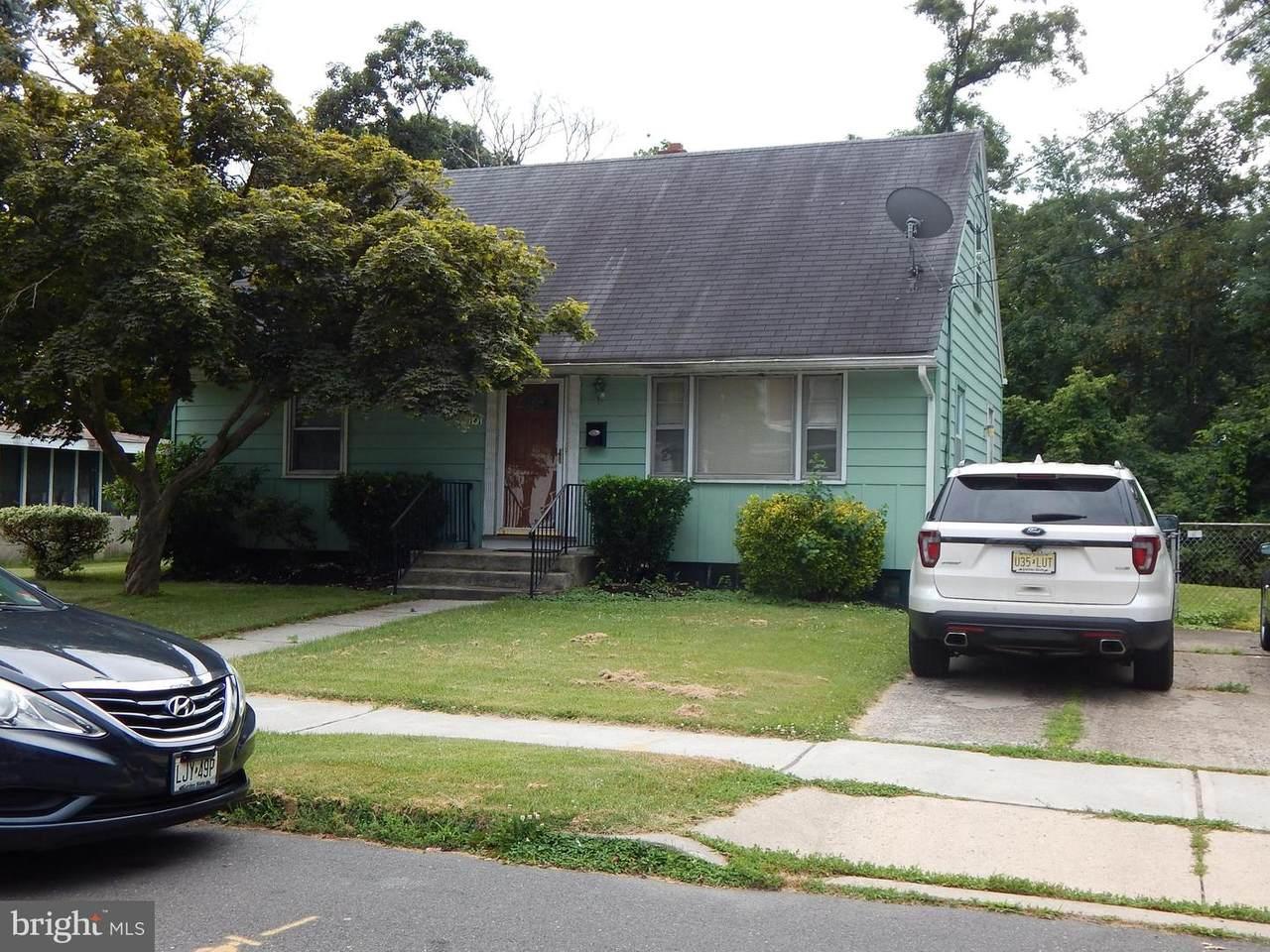 141 Mcclellan Ave - Photo 1