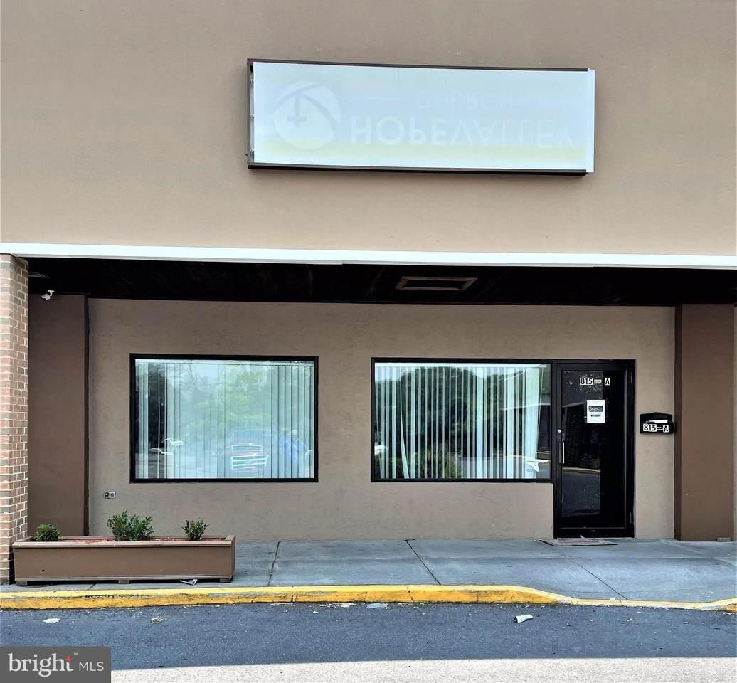 815-815 Loudoun Street - Photo 1
