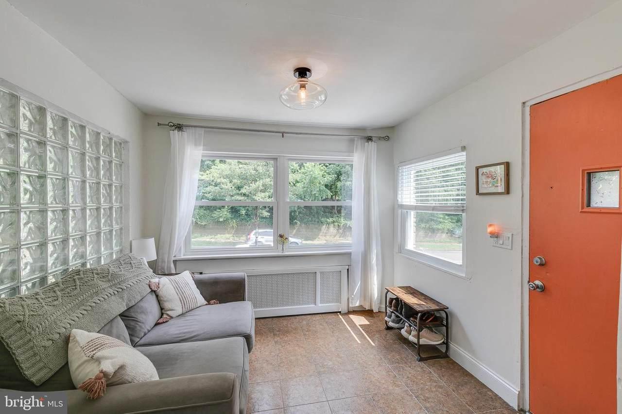 463 Abbottsford Avenue - Photo 1