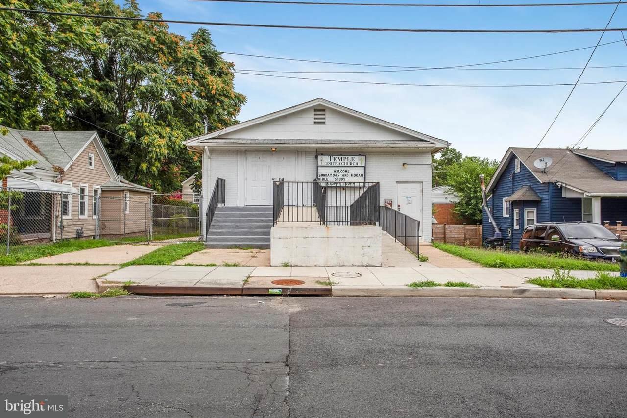 4510 Brooks Street - Photo 1